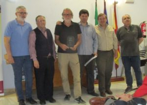Willem broekman recibiendo su trofeo en el Torneo homenaje a veteranos de Córdoba